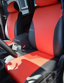 Вариант расцветки и материала авточехлов для Toyota Carina E вариант 3