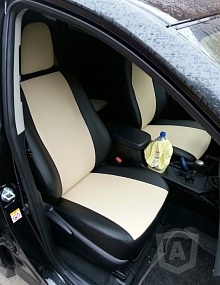 Вариант расцветки и материала авточехлов для Toyota Carina E вариант 4